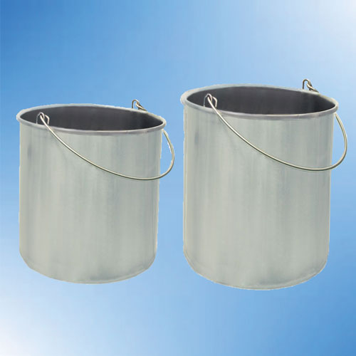 Autoclavable seamless buckets