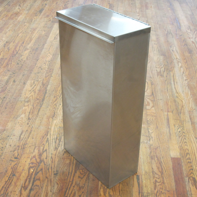 Tall waste dispenser with lid